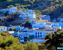 €300,000 tourism investment in Spanish white village painted blue by Hollywood