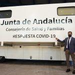COVID-19: La Junta de Andalucía presenta las unidades móviles para cribados masivos que realizarán 5.000 test diarios