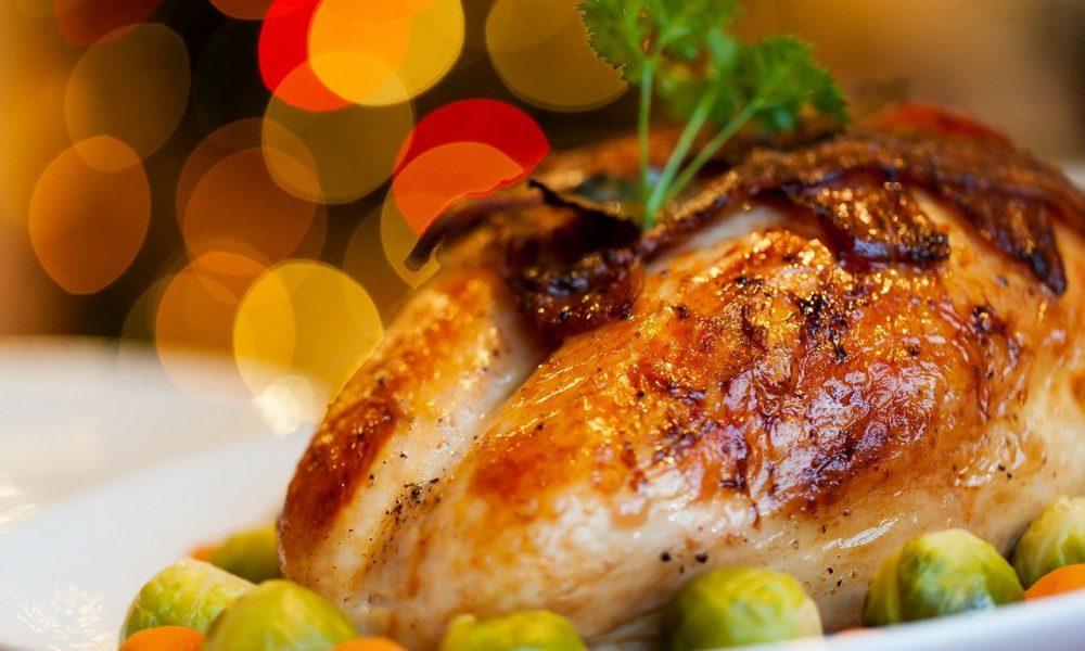 Where can you get Christmas lunch in the Serranía de Ronda?