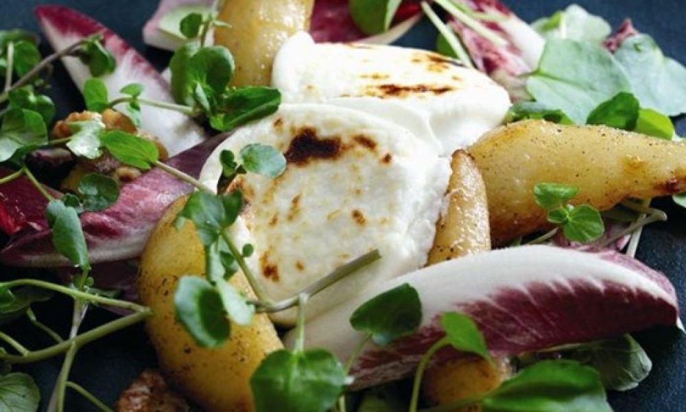 Fried Goat's Cheese with Caramelised Pears – Secret Serranía Style