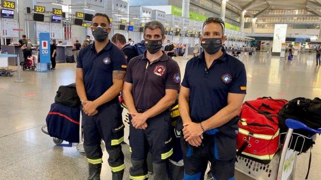 Tres bomberos malagueños se desplazan a Beirut para colaborar en las tareas de búsqueda y rescate de supervivientes