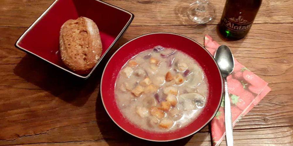 Vegan Mushroom Soup – Secret Serranía-style