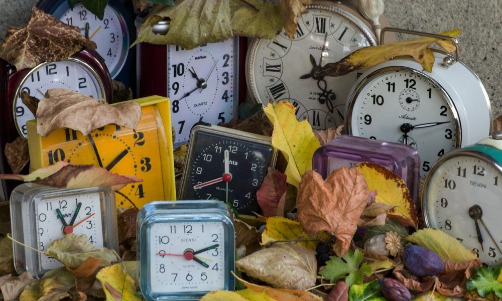 REMEMBER: Clocks go back in Spain this weekend